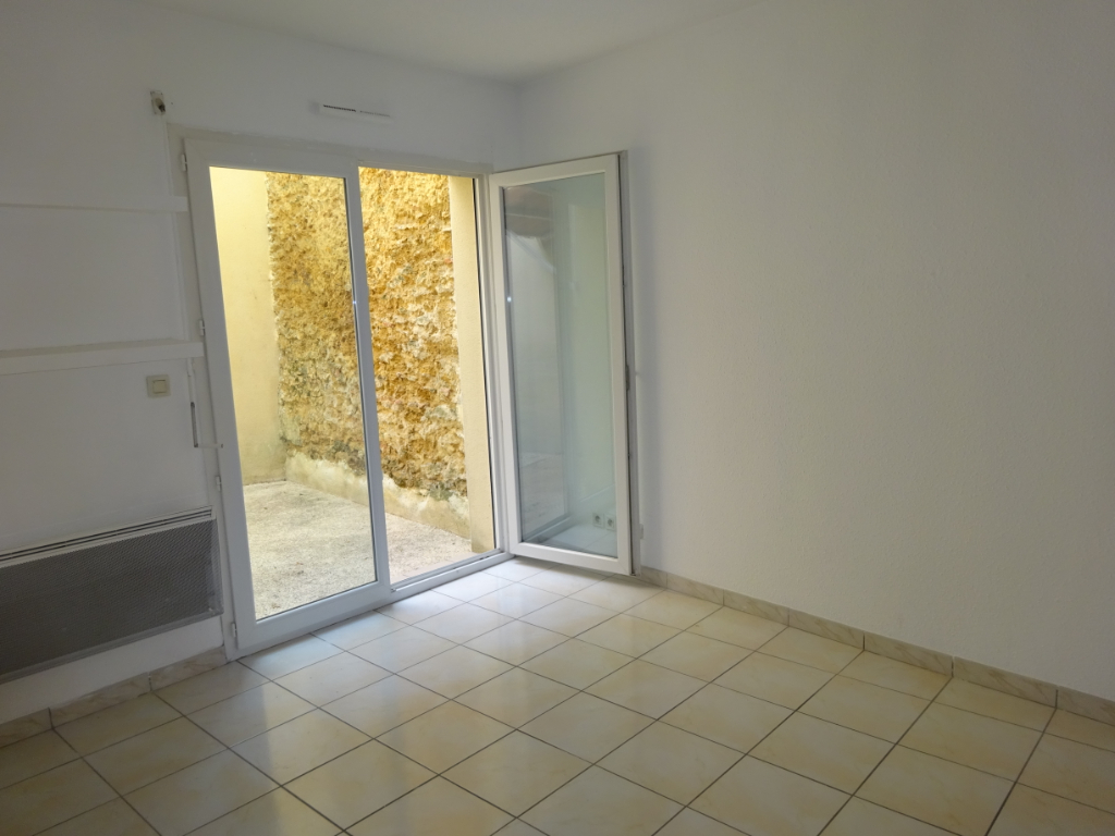 Appartement Mont De Marsan 41 m²  1 Chambre Patio Centre ville