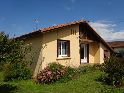 A VENDRE Maison renovee Mont De Marsan 4 chambres garage