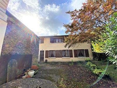 A VENDRE Maison a renover Mont De Marsan 3 chambres jardin