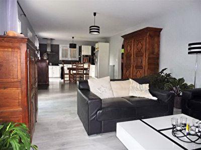 A VENDRE Maison Saint Pierre Du Mont 5 chambres et dependance - Acces PMR