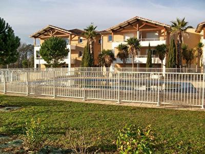 A louer Appartement Saint Pierre Du Mont 2 pieces balcon parking piscine