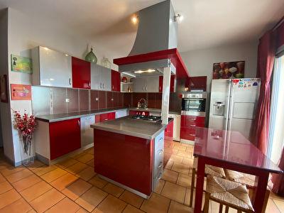 Maison d'architecte centre ville de Mont de Marsan + deux appartements loues
