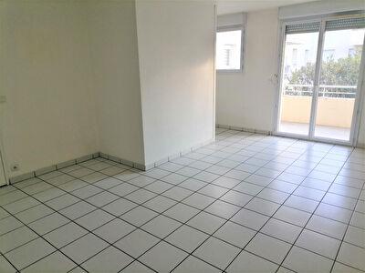 A vendre Appartement T2 Mont De Marsan 1 chambre balcon piscine