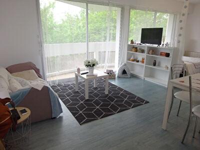 A louer Appartement Saint Pierre Du Mont 1 piece 35 m2 avec stationnement