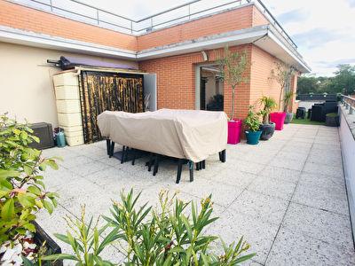 Appartement 2 chambres avec terrasse et stationnements