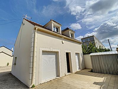 Maison  3 pieces 69 m2