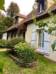Maison Chantilly 8 pieces 177 m2