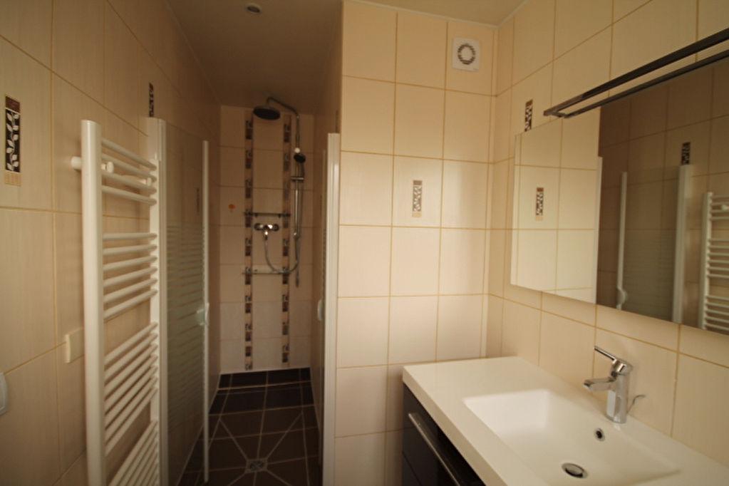 Appartement Lamorlaye 3 pièce(s)  100 m2