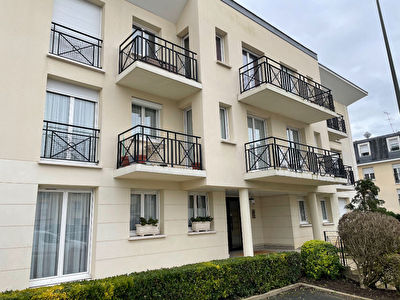 Appartement Chantilly 4 pieces 84 m2, balcons