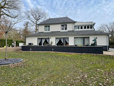 Maison Lamorlaye 11 piece 250 m2,  plus dependances