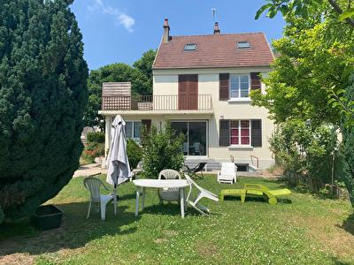 Maison  6 pieces 125 m2 Saint Leu D Esserent