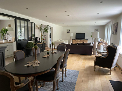 Maison Lamorlaye 9 pieces 270 m2