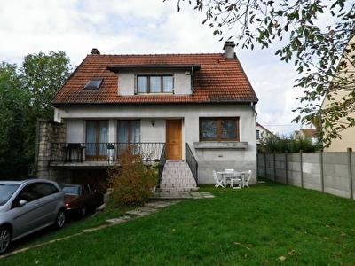 Maison Goussainville 7 pieces 140 m2