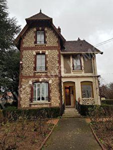 Maison Belloy En France 7 pieces
