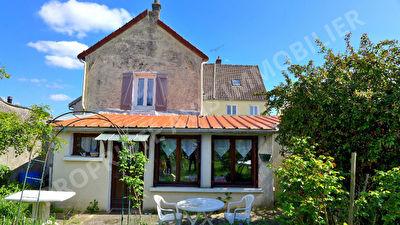 Maison BELLOY EN FRANCE - 5 pieces