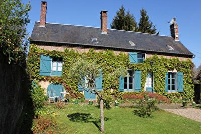 BEAUVAIS PROCHE Maison ancienne 6 pieces 3 chambres 120m2 habitables garage jardin 2459m2 env