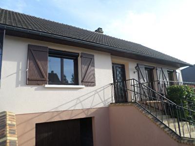 Maison Auneuil, sejour double, cuisine, chambres, sous-sol total, jardin clos 590m2 env.
