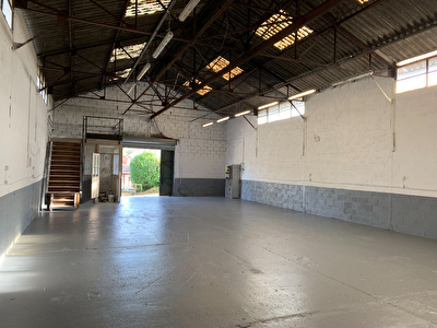 Local commercial 190m2 environ