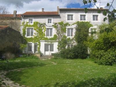 Maison Vouille 7 pieces 255 m2