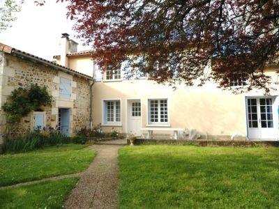 Maison Quincay 7 pieces 160,61 m2