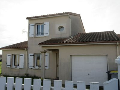 Maison Chasseneuil Du Poitou 5 pieces 94,19 m2 VENDU