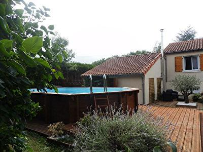 Maison Quincay 8 pieces 181.03 m2 vendu