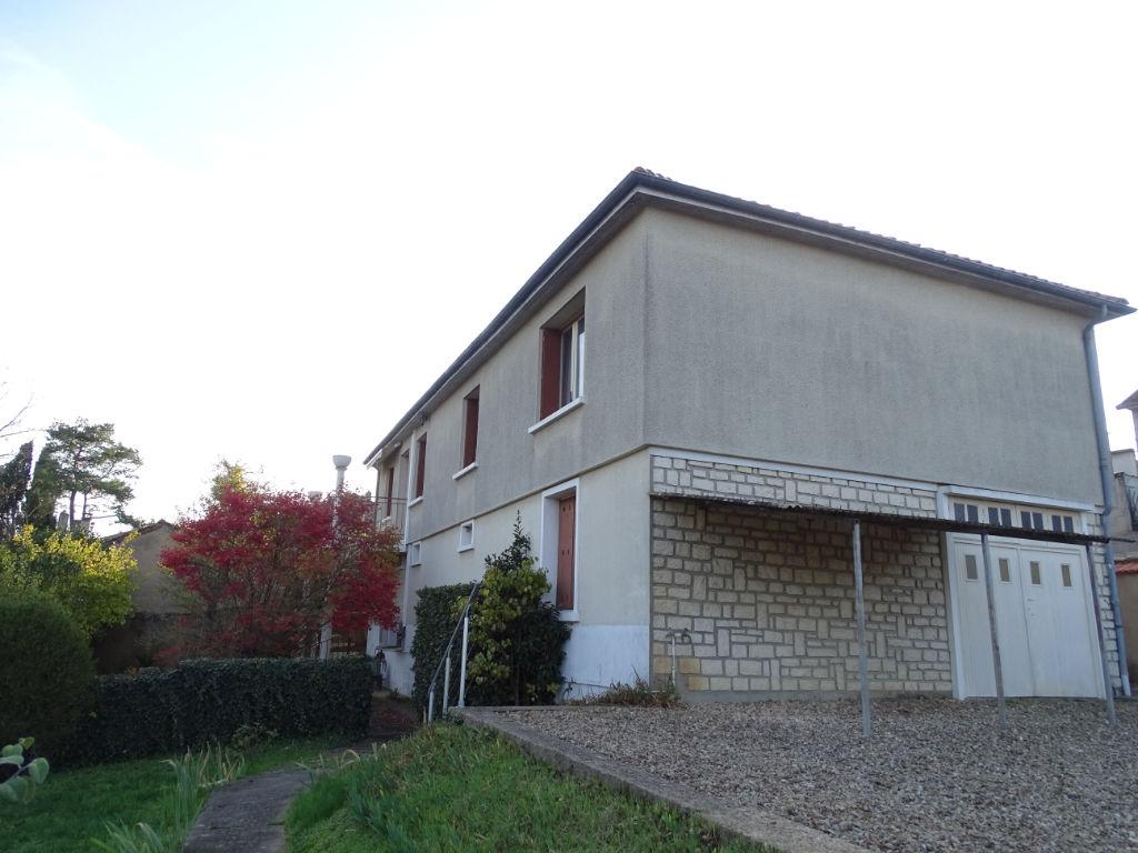 photos n°1 A vendre Poitiers Bugellerie Maison avec 6 pièces