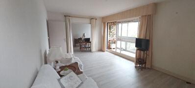 A vendre grand appartement T5 avec parking a Poitiers