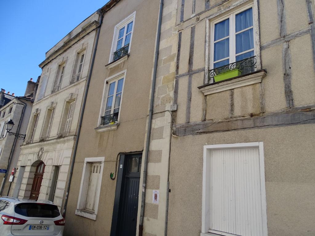 photos n°1 A VENDRE Appartement Poitiers Centre ville proche Notre Dame