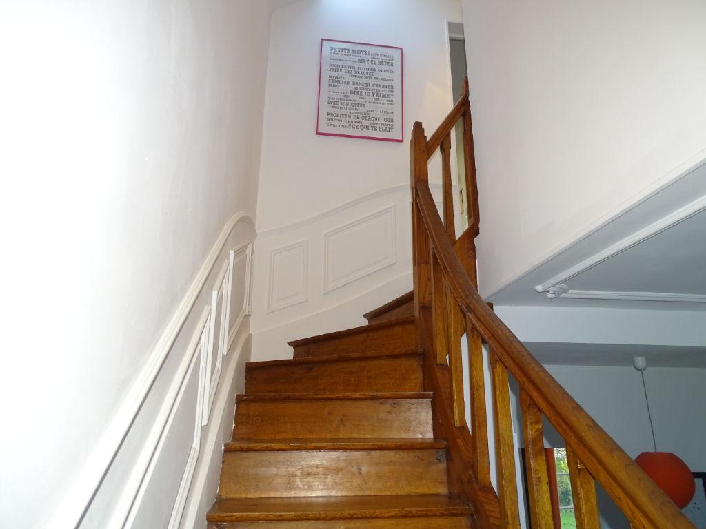 A vendre Maison de ville des années 1920 alliant charme, confort et modernité, avec 3 chambres