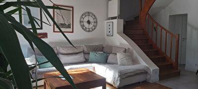 A vendre maison pleine de charme offrant 6 chambres a Poitiers