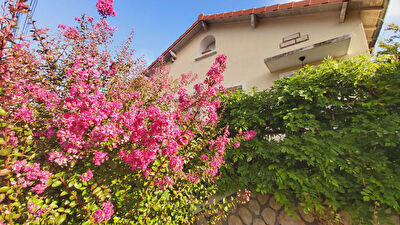 A vendre charmante maison proche plateau de Poitiers offrant 3 chambres