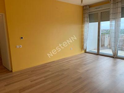 Appartement Nanterre: 3 pieces de 65 m2