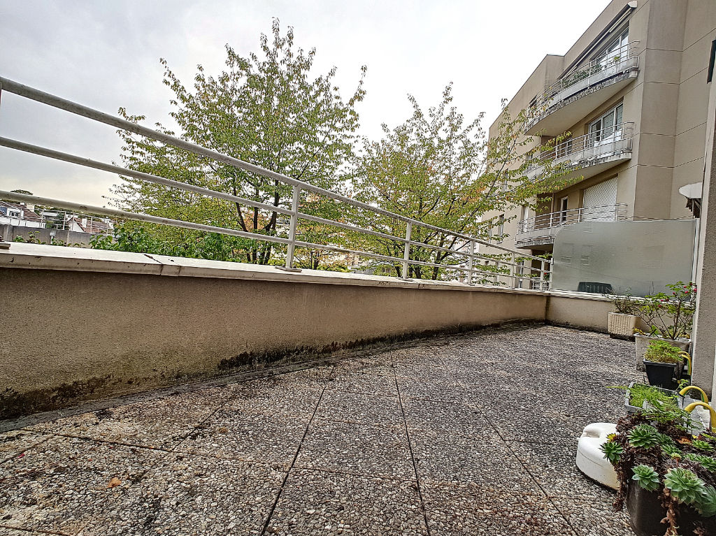 F4 - CENTRE-VILLE - Balcon & Terrasse -  parkings en ss-sol.
