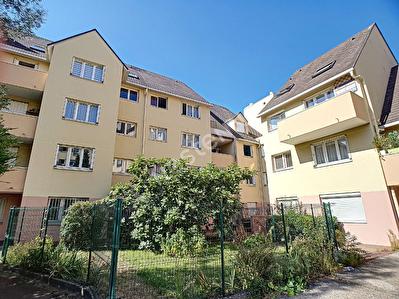 Sannois F4 rez-de-jardin de 84 m2 avec jardin expose sud avec terrasse et box en sous-sol