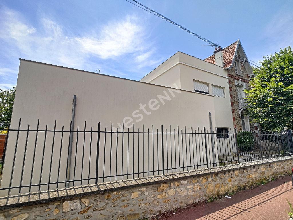 Maison meulière contemporaine 7 pièces 171.67 m2 Surface habitable - CENTRE-VILLE - 3 Minutes gare de CERNAY
