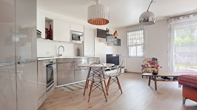 ERMONT centre ville -Appartement  3 pieces en rez de jardin de 64.63 m2 - proche gare