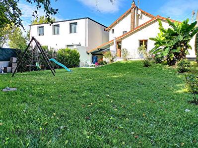 Maison Ermont QUARTIER CERNAY - 6 pieces - 3 chambres + bureau - 107 m2 habitable - 444 m2 de terrain