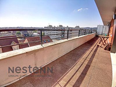 Ermont - Appartement DERNIER ETAGE - 2 pieces - 47 m2 - terrasse de 25 m2 - 2 parkings en sous-sol - ascenseur - normes PMR