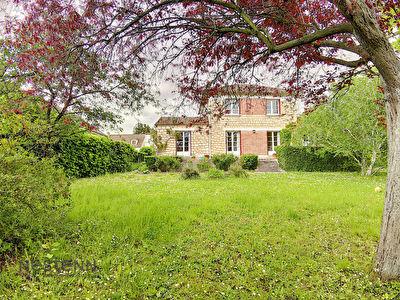 Maison Ermont - quartier Cernay - 7 pieces - 4 chambres + bureau - 146 m2 - 1404 m2 de terrain