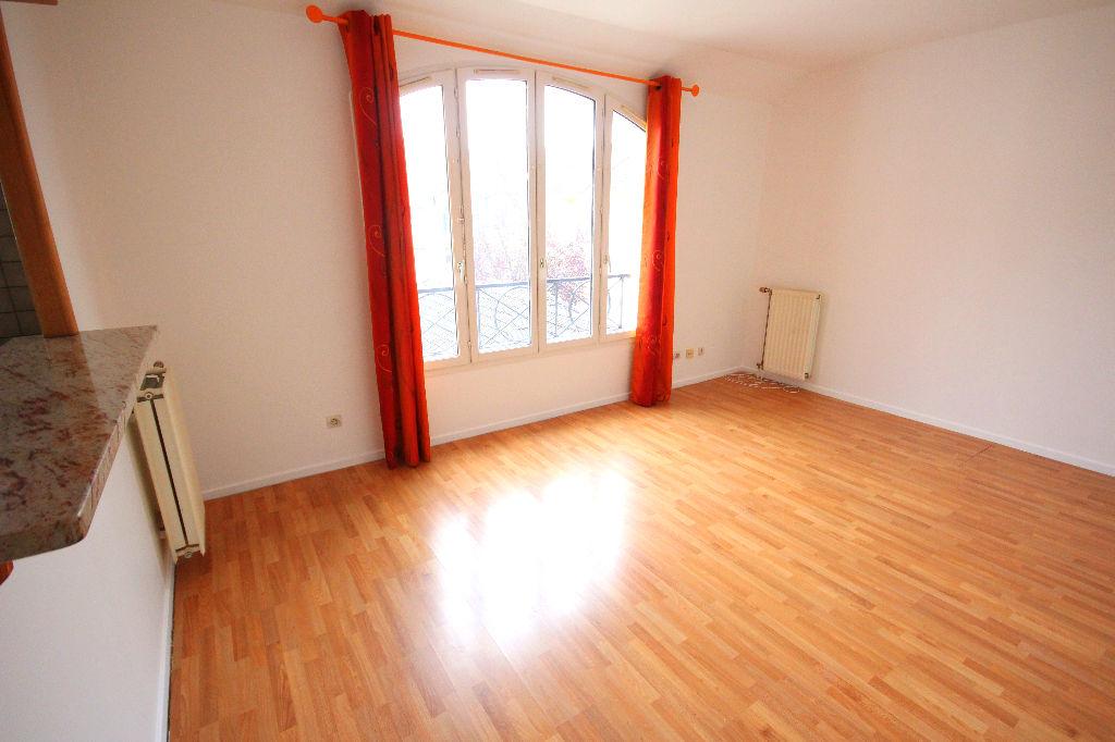photos n°1 Appartement Courdimanche 2 pièces 41.47 m2