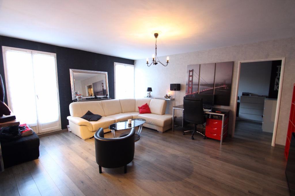photos n°1 Appartement Courdimanche 2 pièce(s) 58 m2
