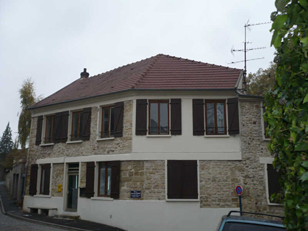 Studio Vaureal Village