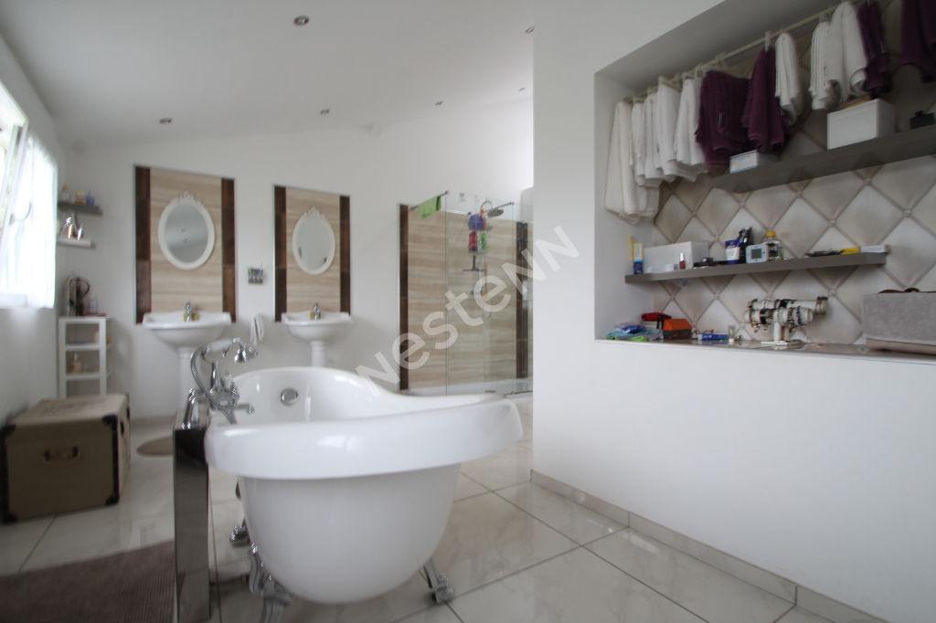 Maison Les Andelys 5 pièce(s) 226 m2