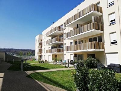 Appartement Jouy Le Moutier 2 pieces 43.30 m2