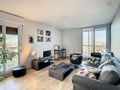 Appartement  3 pieces 74 m2