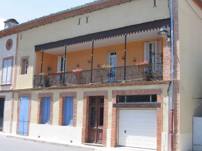 Maison de caractere MEAUZAC - 6 pieces - 250 m2