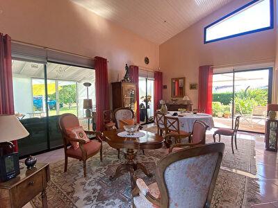 Le Fau Montauban Maison d'architecte 6 chambres piscine garage vue degagee