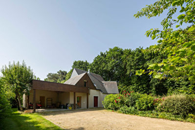 A VENDRE Maison  avec un beau jardin a 10 mn  de Dinan et 30 mn des plages