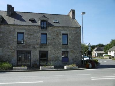 Maison situee sur Plelan Le Petit 9 pieces 165 m2  a 10 mn de Dinan et 30 mn de la mer.